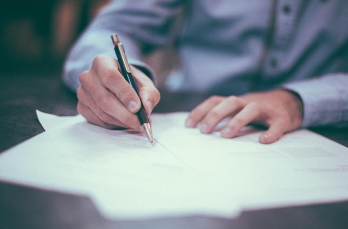Līgumu slēgšana ar sadarbības partneriem, ievērojot NILLTPFN likuma un Sankciju likuma prasības
