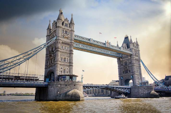 City of London calls for 'paradigm shift' in compliance tech at banks